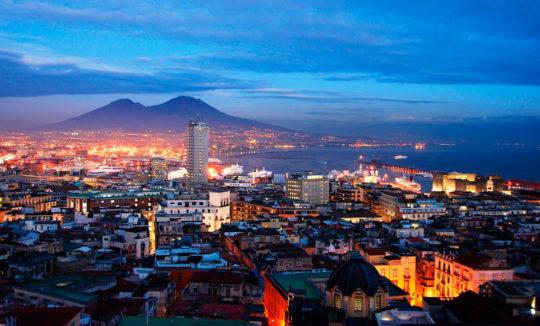 Экскурсия в Неаполь (фото вечернего Неаполя)