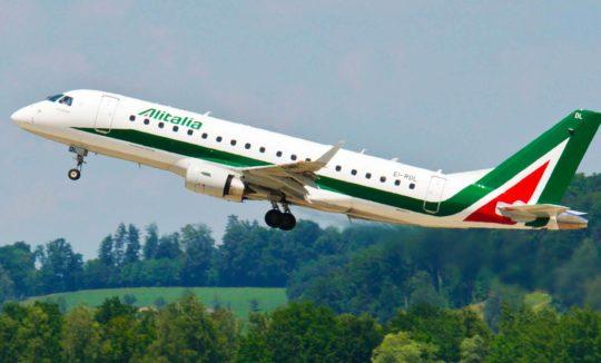 Трансфер из аэропорта в Италии (фото взлетающего самолёта)