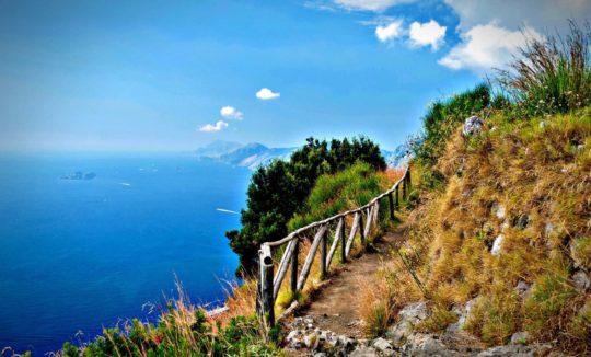 Активный туризм в Италии (фото горного склона)