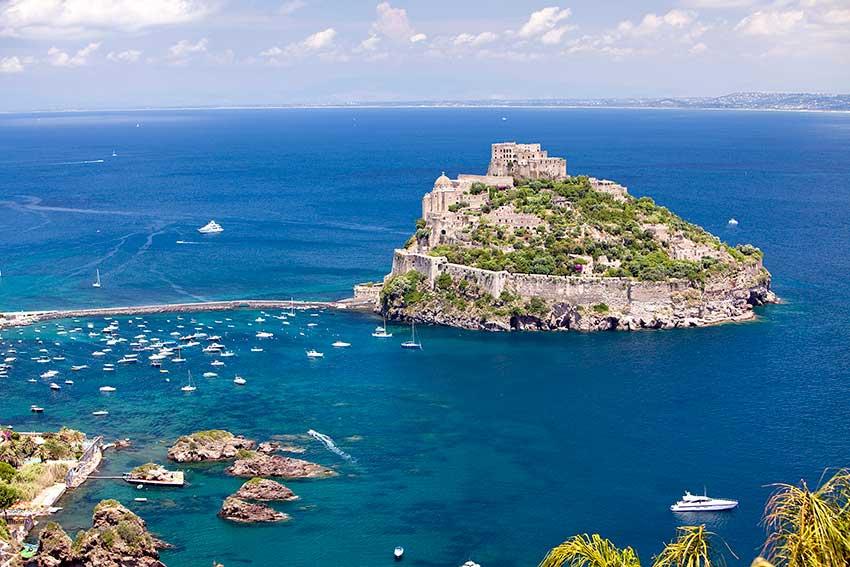 Трансфер из Рима на остров Искья (фото острова)