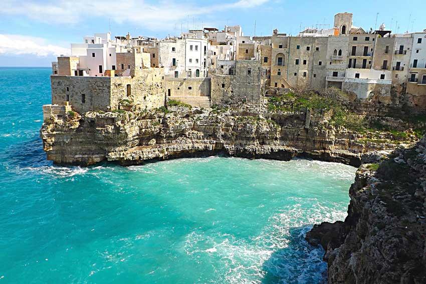 Однодневная экскурсия из Неаполя в Бари и Альберобелло. Фото Бари